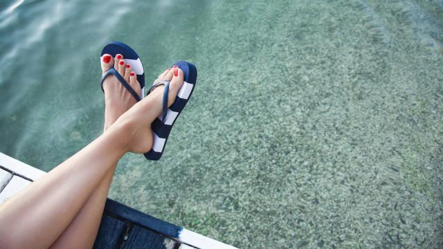 Dez cuidados a ter este verão para prevenir infeções nos pés
