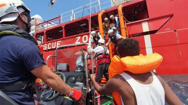 Situação a bordo do 'Ocean Viking' deteriora-se todos os dias