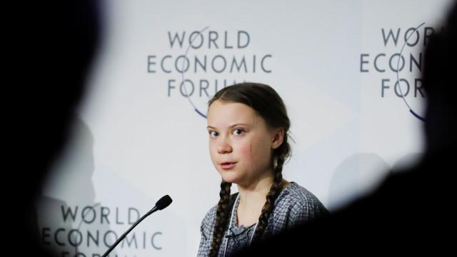 Movimento de Greta Thunberg pede protestos nas embaixadas brasileiras