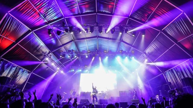 Segundo dia do festival Vilar de Mouros viaja desde o gótico ao punk