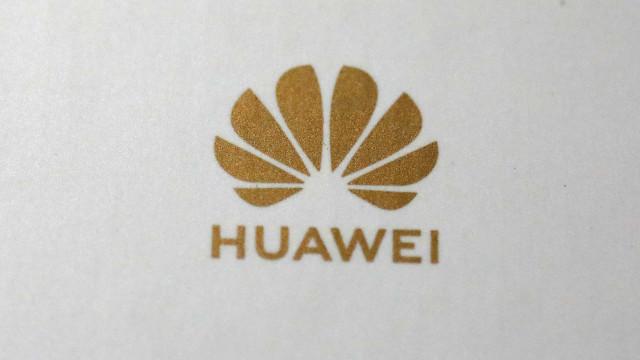 Tensão com EUA pode levar Huawei a perder 9 mil milhões de euros