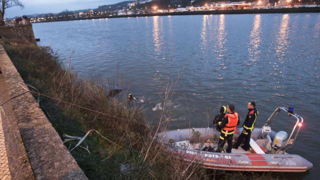 Encontrado corpo de homem desaparecido na praia do Rebolim em Coimbra