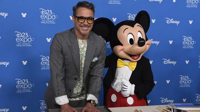 Robert Downey Jr. recebe prémio e recorda prisão por cannabis