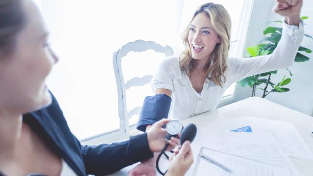 Reduza a pressão arterial: Três mudanças que deve fazer já na sua dieta