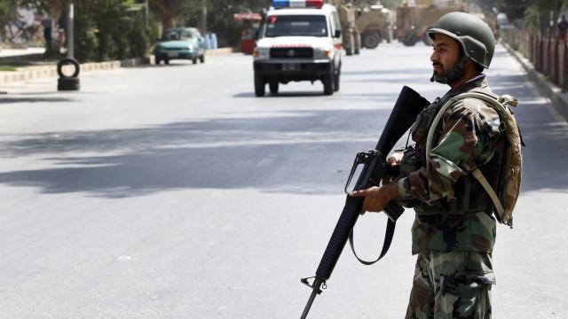 Pelo menos 24 mortos em explosão em ação de campanha no Afeganistão