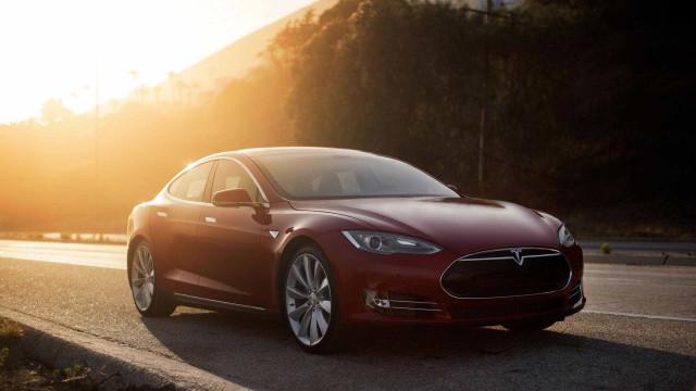 Tesla bateu elétrico da Porsche mas vitória não é considerada oficial
