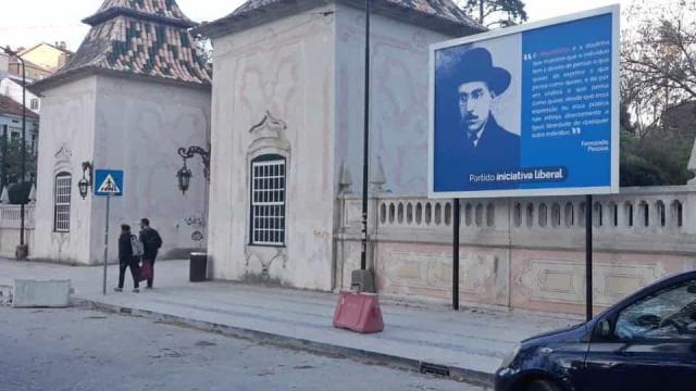 Iniciativa Liberal apresenta queixa à CNE devido a cartaz em Coimbra