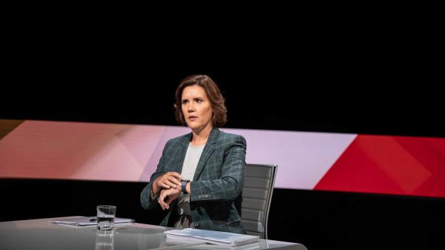 """CDS-PP defende """"outros caminhos"""" para mulheres que não possam engravidar"""