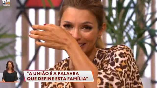 Maria Cerqueira Gomes emociona-se em direto