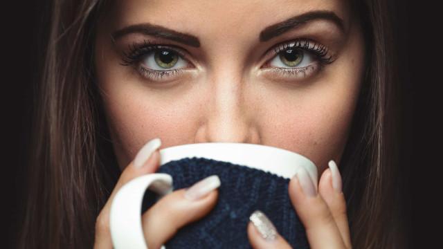 Quatro bebidas altamente estimulantes que substituem o café