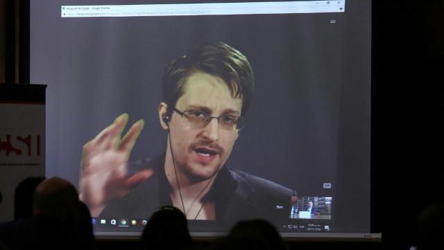 França nega pedido de asilo ao ex-agente americano Edward Snowden
