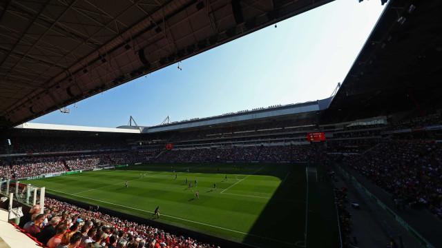 PSV-Sporting: Miguel Luís é aposta na Holanda