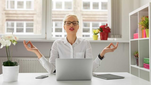 'À prova de stress', um guia prático para o bem-estar do corpo e da mente