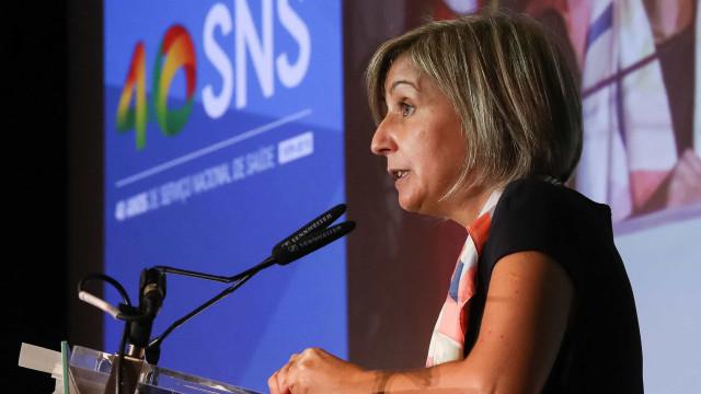 Ministra da Saúde disponível para pedir desculpa quando é devida