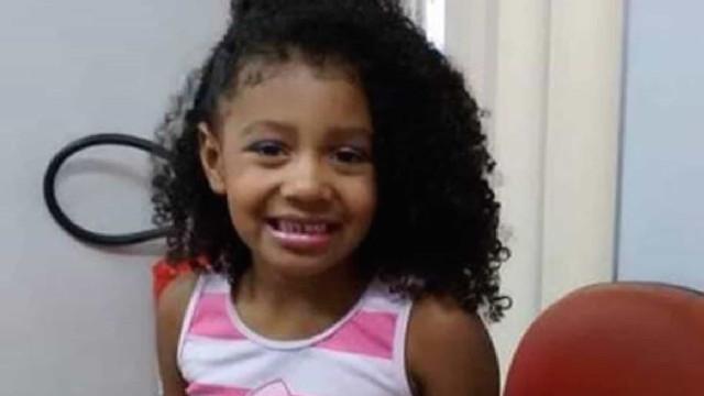 Ágatha morreu com um tiro nas costas disparado pela polícia. Tinha 8 anos