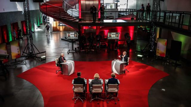 Costa e Rio travam debate cerrado sobre modelo económico do país