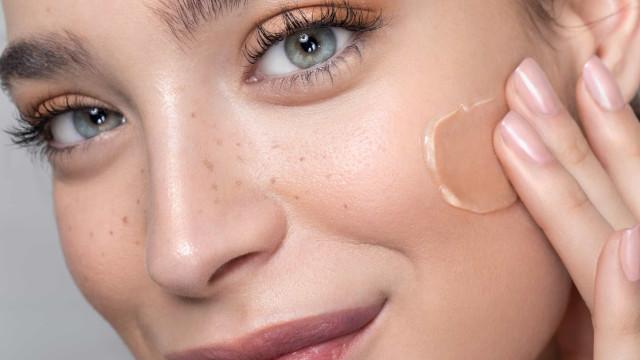 Seis erros ao aplicar maquilhagem que envelhecem a pele do rosto