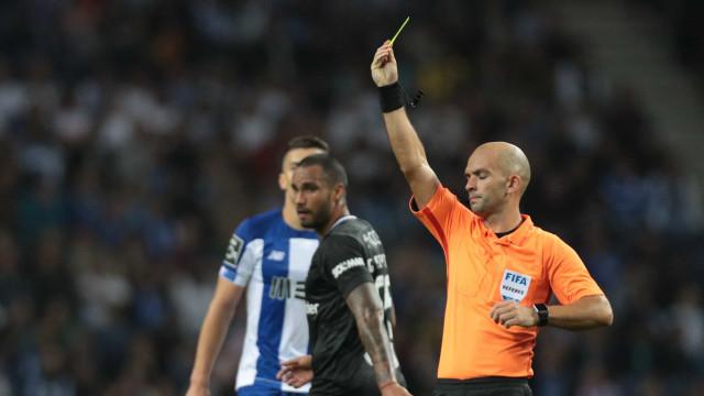 """Benfica e a arbitragem do Dragão: """"Pela terceira jornada consecutiva..."""""""