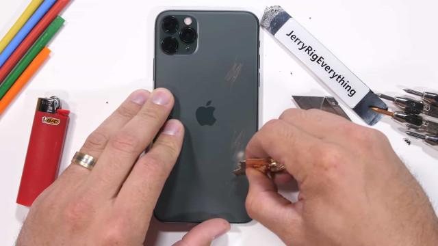 iPhone 11 Pro submetido a teste de resistência