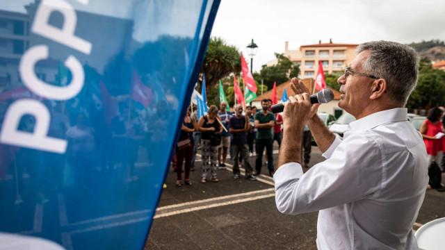"""Desafio do PS à oposição para formar governo é """"caricato"""", diz PCP"""