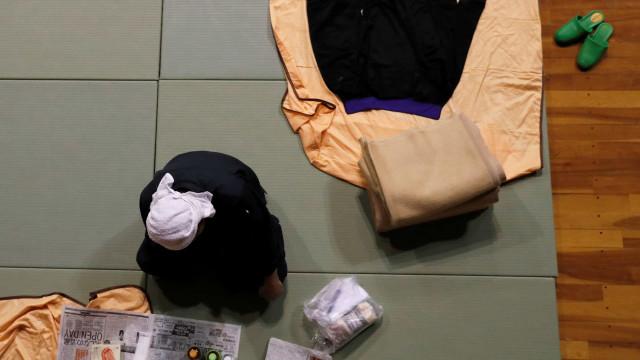 Grupo de mais de 30 portugueses retido em Osaka após passagem do tufão