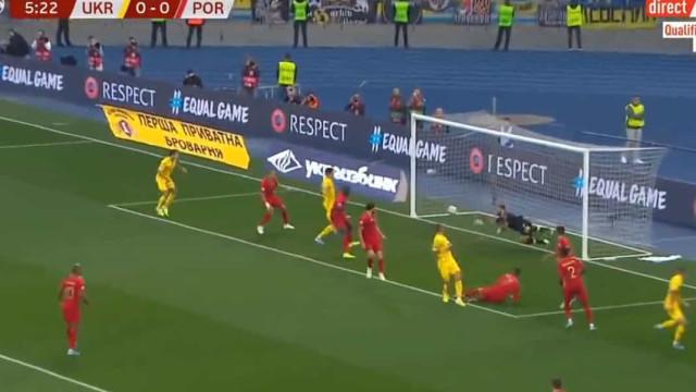 Portugal sofre logo aos seis minutos. Yaremchuk não perdoou