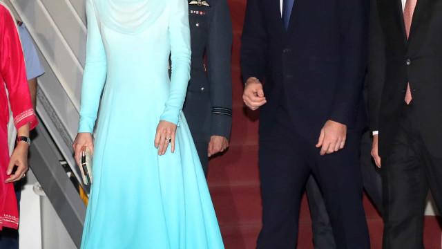 Kate Middleton recria vestido da princesa Diana em viagem ao Paquistão