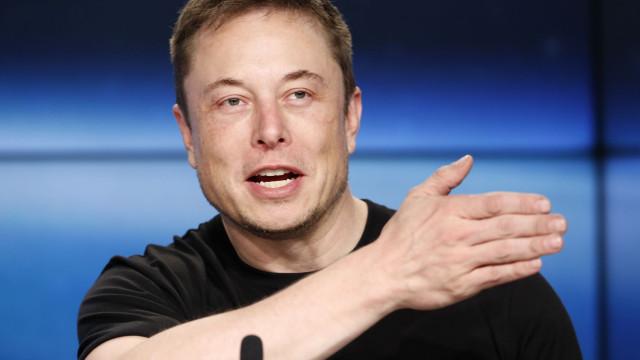 """Próximo Tesla será um """"transportador armado do futuro"""""""