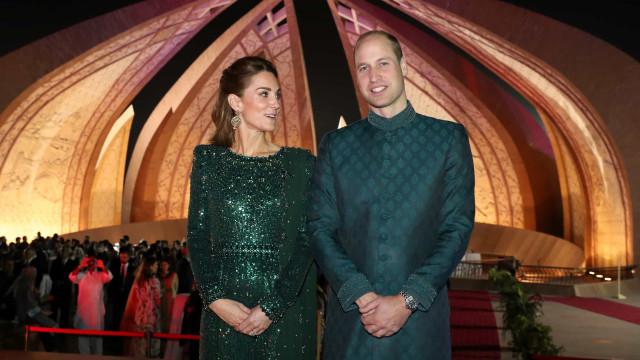 Kate Middleton e William fazem pandã com look usado no Paquistão