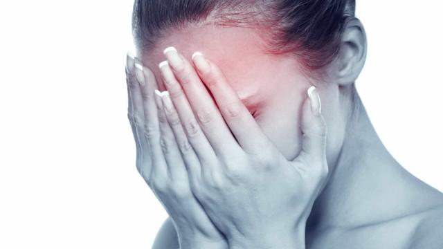 Derrame cerebral: Como identificar os primeiros três sintomas de um AVC