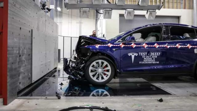 Segurança. Veja imagens do laboratório de colisões da Tesla