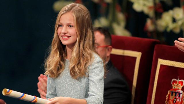 Leonor discursa nos Prémios Princesa de Astúrias. Pai fica 'babado'
