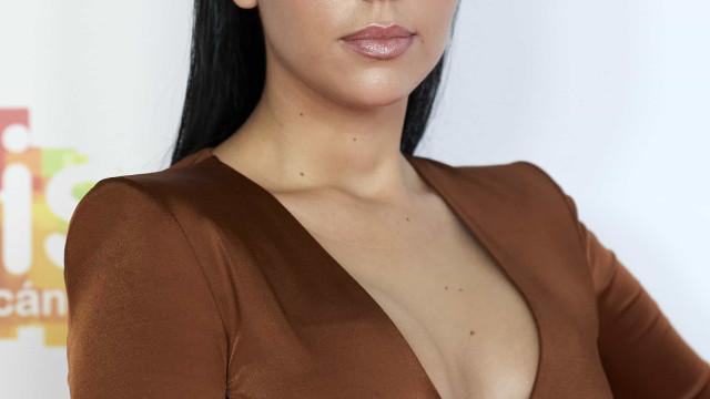 Curvas de Georgina Rodríguez voltam a destacar-se em nova fotografia