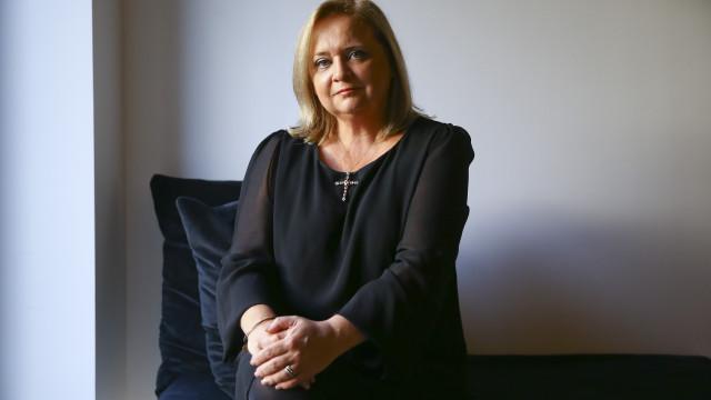 Falta de trabalho levou Noémia Costa a emigrar e a abraçar nova profissão