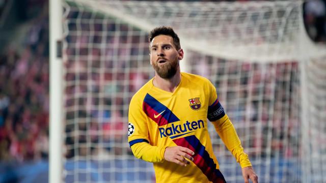 Messi marca e assegura registo histórico que CR7 já não poderá ter
