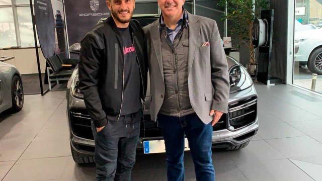 Colega de João Félix foi comprar um SUV e a Porsche registou o momento