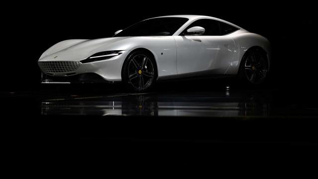 Oficial: Ferrari apresenta o 'Roma' com motor V8 e 620cv