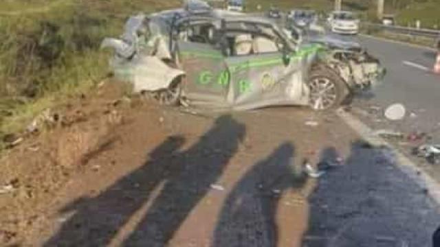 Carro abalroa veículo da GNR na A42. Há três mortos e dois feridos graves