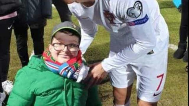 Ronaldo marcou o golo 99, mas é foto com menino que está a dar que falar