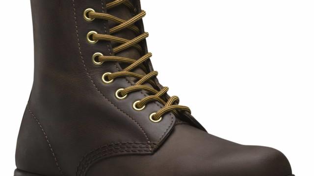 Dr. Martens lança botas icónicas 1460 à prova de água