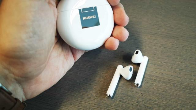 Já temos os Freebuds 3 da Huawei. Veja como é tirá-los da caixa