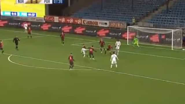 Grande momento nos sub-21: Jota assiste para o golo de Fábio Vieira