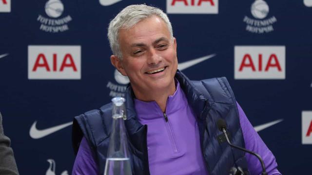 """Mourinho, 'The Humble One', apresentado: """"Não cometerei os mesmos erros"""""""