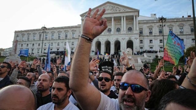 Símbolo associado à supremacia branca no protesto da PSP e GNR?