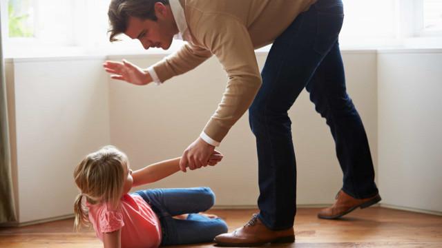 Cinco atitudes que jamais deve ter com os filhos dos outros