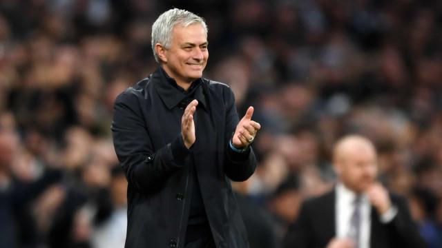 Mourinho responde à primeira derrota com vitória 'estrondosa'
