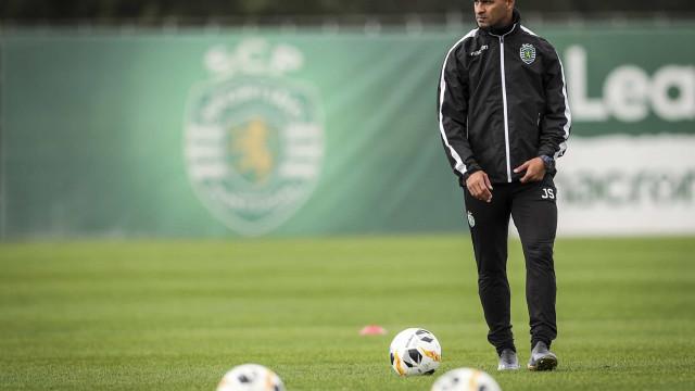 Silas 'revoluciona' convocados do Sporting para a Liga Europa
