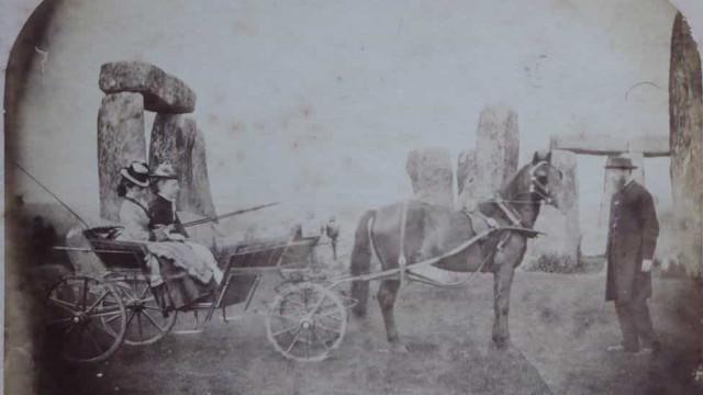 Fotografia de 1875 é a mais antiga de sempre tirada em Stonehenge