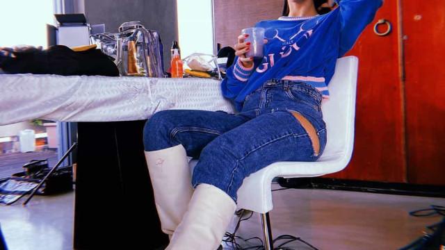 Georgina Rodríguez também já se rendeu à moda das botas brancas