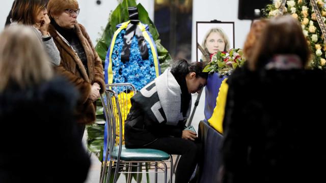 Corpos de vítimas ucranianas repatriadas após derrube de avião
